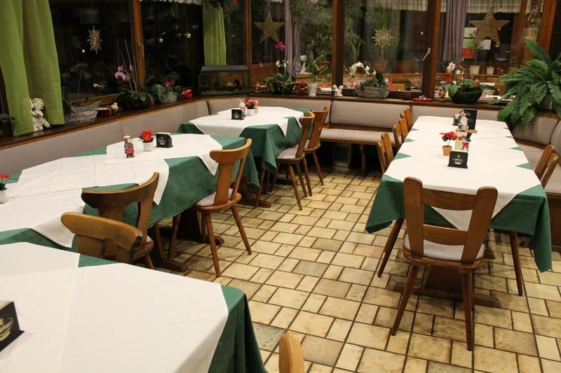 gastst tte holzwurm unser restaurant. Black Bedroom Furniture Sets. Home Design Ideas